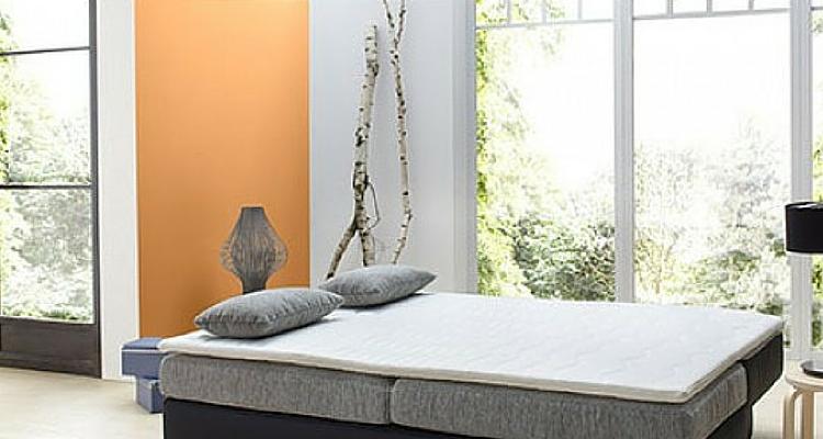 Wandgestaltung Mit Orangefarbener Akzentwand